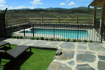 Casas rurales en guadalajara cerca de madrid con piscina for Casa rural para 15 personas con piscina